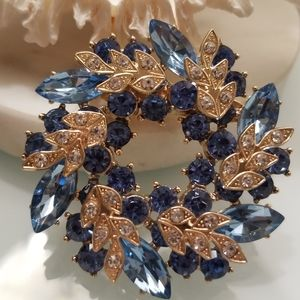 NWT- Blue Crystals 3-D wreath Brooch Pin